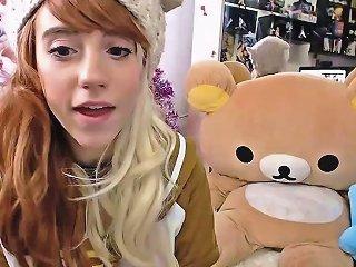 Teen Masturbate Her Anal With Sextoy